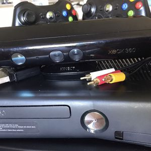 XBox 360 Kinect / with plugs for Sale in Hollywood, FL