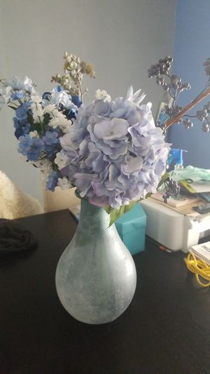 Beautiful Vases with Flowers for Sale in Miami Shores, FL