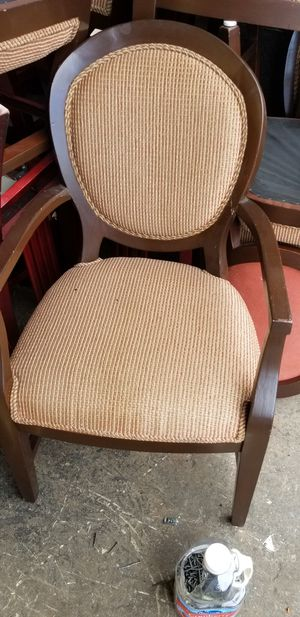 Resturant chairs and table good conditions for Sale in Boynton Beach, FL