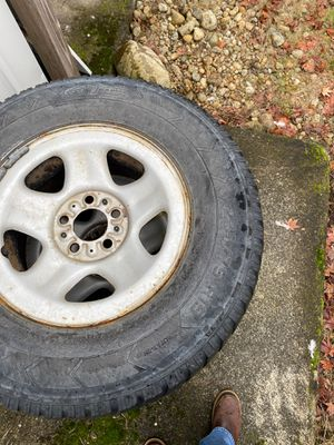 235/75 R15 Jeep XJ tires and rims for Sale in Graham, WA
