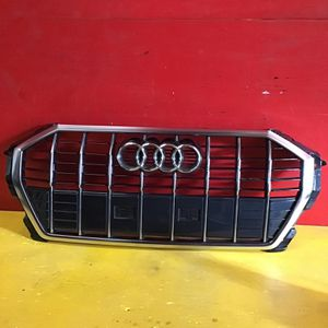 2020 Audi Q3 Grille Oem for Sale in Los Angeles, CA