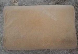 Tempur-Pedic Medium Profile Neck Pillow for Sale in Los Angeles, CA