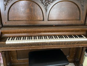 Free piano for Sale in Vancouver,  WA