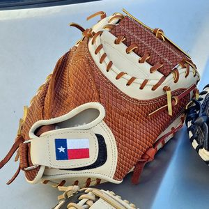 32 Inch Premium Kip Leather Catchers Mitt Ligh Weight And Professional Grade for Sale in Houston, TX
