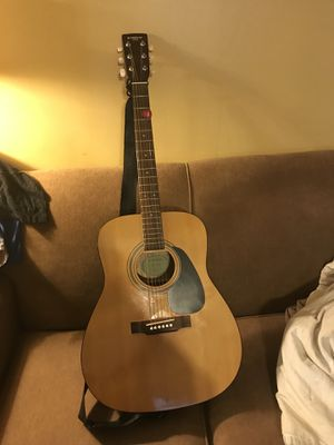 Yamaha eterna guitar ef-10 acoustic for Sale in Adrian, GA