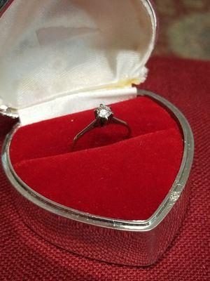 DAIMOND SOLITAIRE RING WITH 18K WHITE GOLD for Sale in Springfield, VA