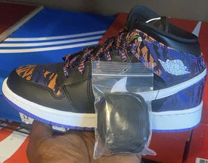 "Air Jordan 1 Mid ""Multi-Color Tiger Stripe"" GRADE SCHOOL SIZE 4y for Sale in New Orleans, LA"