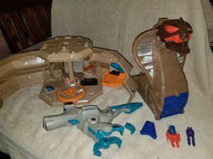Starriors Cobra Base and bird Retro Vintage Fun Toys Action Figures for Sale in Cuyahoga Falls, OH