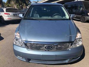 2012 Kia Sedona like new financing and warranty available for Sale in Los Angeles, CA