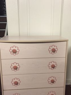 Large Dresser for Sale in Rancho Cucamonga,  CA