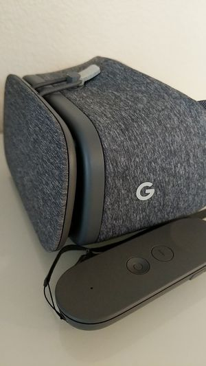 Google Daydream View (2017) Virtual Reality Charcoal Headset for Sale in San Diego, CA
