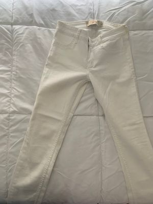White Hollister Jeans for Sale in Miami Lakes, FL