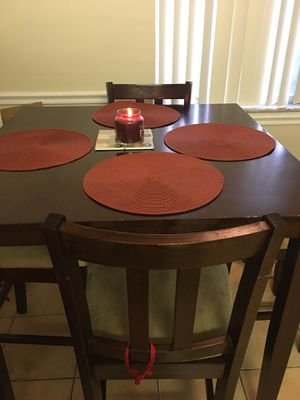 Kitchen table and 4 chairs for Sale in HALNDLE BCH, FL