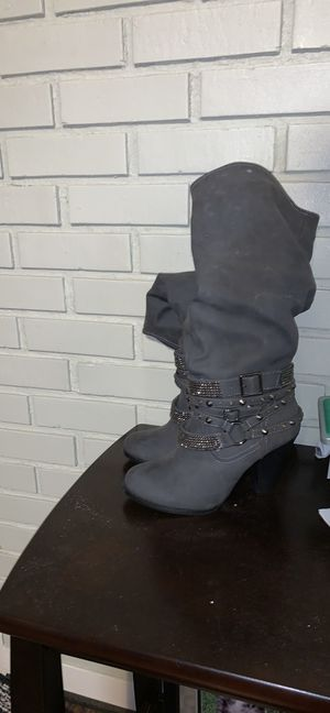 Venus boots size 8.5 for Sale in Ottumwa, IA