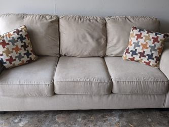 "Beige Couch, Ashley Home furniture, 87"" for Sale in Houston,  TX"