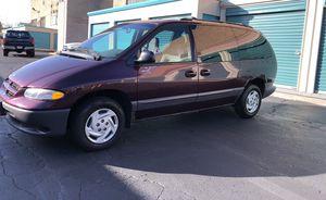 RUNS Like new .2000 Dodge Grand Caravan SE for Sale in Elgin, IL