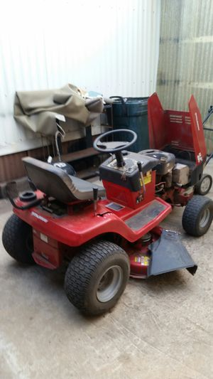 Murry Riding Lawnmower for Sale in Borger, TX