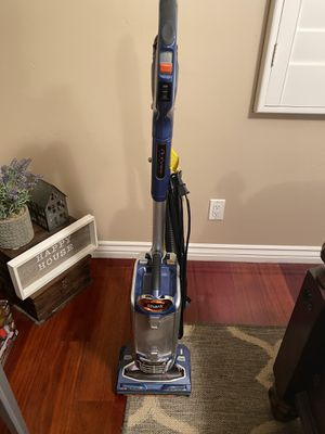 Shark Duo Clean Vacuum for Sale in San Marcos, CA