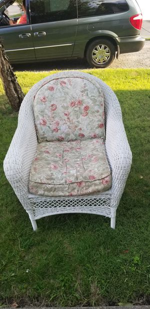 Wicker set (Imitation) - loveseat, rocker, chair, coffee table, end mint condition swing for Sale in Lisbon, OH