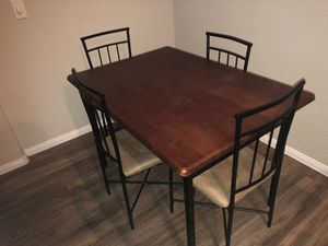 Medium Size Kitchen Table for Sale in Henderson, NV