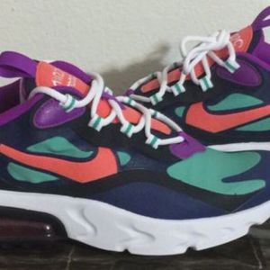NIKE AIRMAX 270 REACT SIZE 6Y $50 FIRM for Sale in Kissimmee, FL