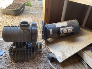 2 speed 1.5 horsepower Advantage pool pump and motor for Sale in Chandler, AZ