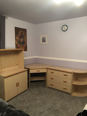 Kid's desk with shelves and hutch for Sale in Novato, CA