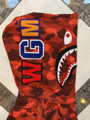 BAPE RED CAMO SHARK HOODIE SZ(XL) for Sale in Plano, TX
