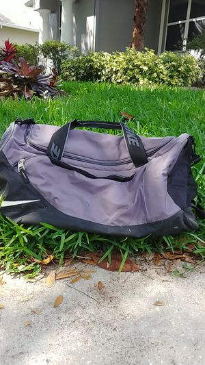 Nike duffle bag for Sale in Winter Springs, FL