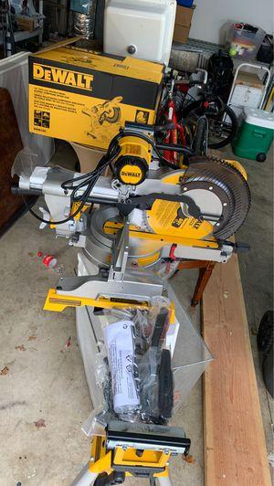 Dewalt sliding compound miter saw and stand for Sale in Aurora, OR