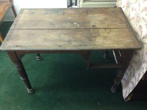 Antique desk for Sale in Peabody, MA