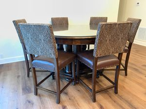 Solid hardwood kitchen table for Sale in Tarpon Springs, FL