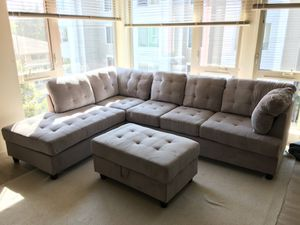 New gray corduroy sectional couch with storage ottoman for Sale in Cascade-Fairwood, WA