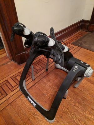 Thule 2 bike Car trunk carrier for Sale in St. Louis, MO