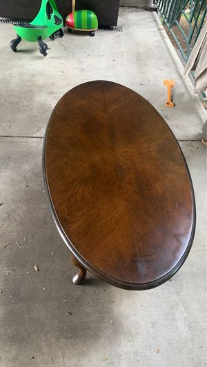 Antique wood coffee table for Sale in Los Angeles, CA
