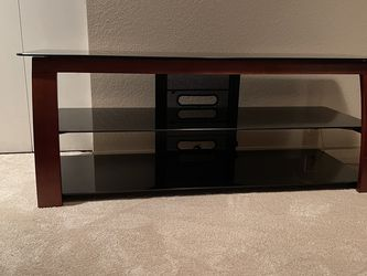 Modern 3 Tiered TV Stand for Sale in Renton,  WA