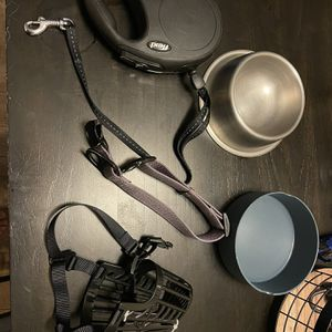 Extra Dog Boys Muzzle And Leash Retractable Not Cheap One Has Multiple Length And Locking For Puppy's To Adult Both See Pic Ask Any Questions for Sale in Chino Hills, CA