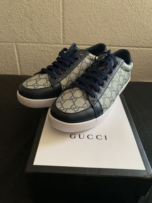Gucci size 10 for Sale in Highland, CA