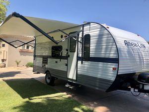 Selling our 2020 RV TRAILER - SUPER LITE - MINT CONDITION!! for Sale in Phoenix, AZ