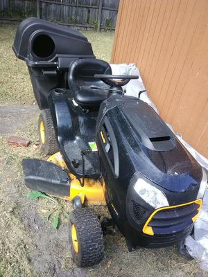 poulan pro pp19a42 riding lawn mower for Sale in Portsmouth, VA