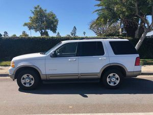 2002 FORD EXPLORER TITLE AND CURRENT REGISTRATION CARD IN HAND, RUNS GOOD, CURRENT SMOG IN HAND, 6 CYL HABLO ESPAÑOL for Sale in San Diego, CA