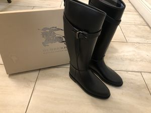 Burberry rain boots size US 7 UK37 for Sale in Hialeah, FL