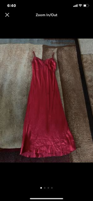 New Victoria's Secret Long Silk Red Nightgown Size XS for Sale in Oceanside, CA