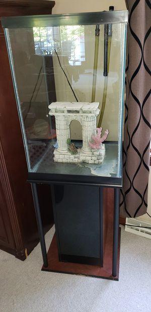 50 gallon verticle aquarium for Sale in Medina, OH
