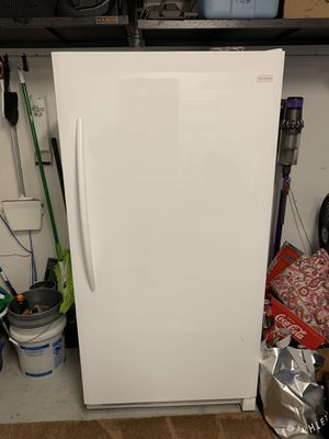 Fridgeaire freezer 16.6 cu. Only 2 years old for Sale in Trinity, FL