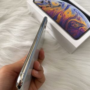iPhone XS Max $300 for Sale in Seffner, FL