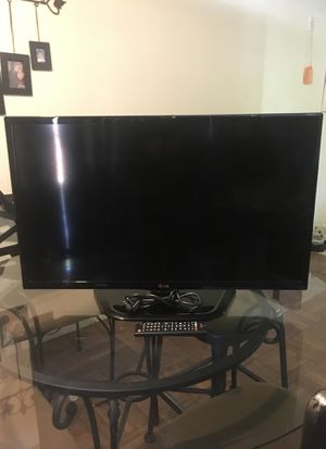 LG 28 in . Tv with remote for Sale in Sacramento, CA