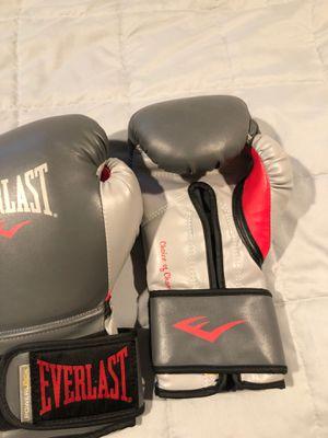 Boxing gloves for Sale in Oak Lawn, IL
