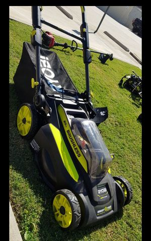 RYOBI 40V CORDLESS BRUSHLESS LANW MOWER LIKE NEW (TOOL ONLY ) NO BATTERY NO CHARGER for Sale in San Bernardino, CA