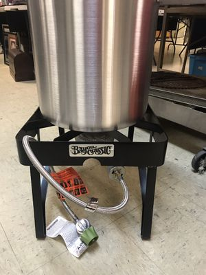 Brand new Bayou Crossing Turkey Fryer w/propane burner for Sale in Norfolk, VA